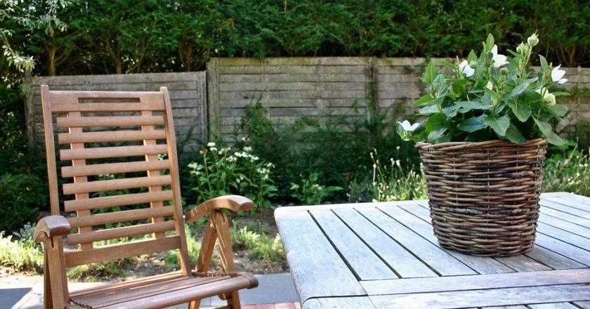 Gartenmöbel aus Holz – eine stilvolle und elegante Art zu dekorieren